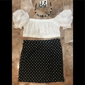 Fitted Black and white polkadoted skirt size M